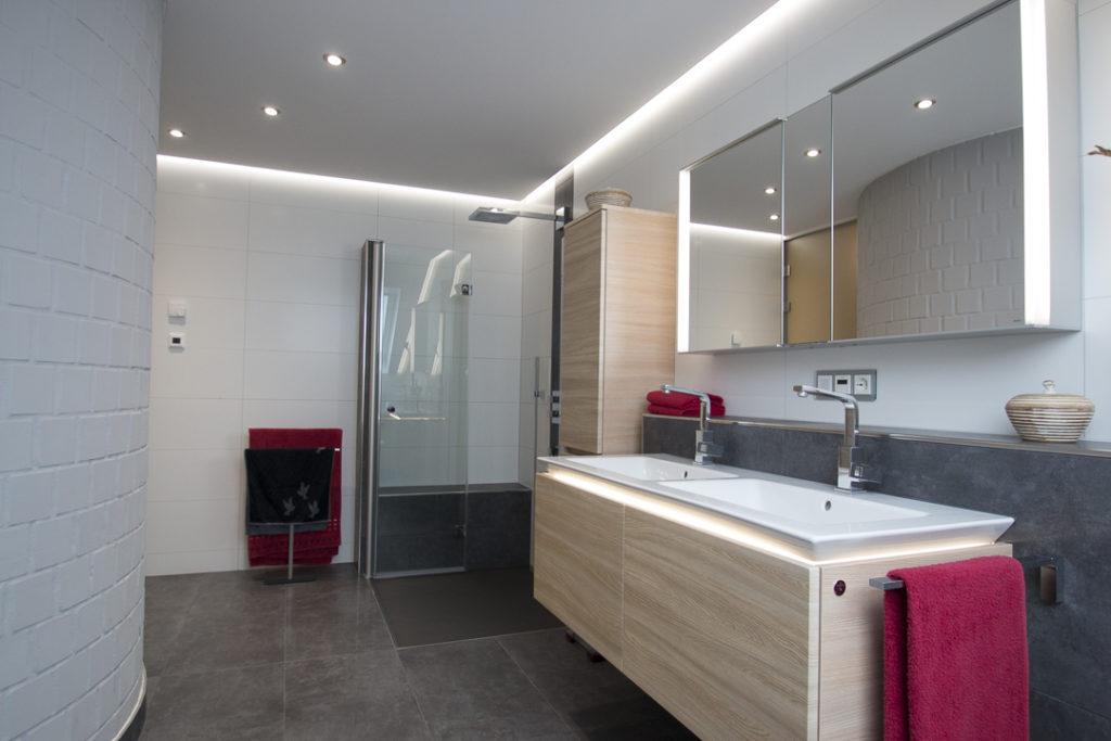 Boor – Eingerichtetes Badezimmer